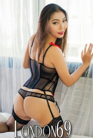 Asian Escorts London on Tour to Halifax for 2 weeks