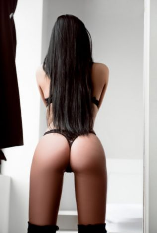 Lotti - Sexy Welsh Escort: Stunning brunette Lotti, sexy Welsh escort based in Cardiff but available for outcall bookings throughout South Wales and the Bristol region.