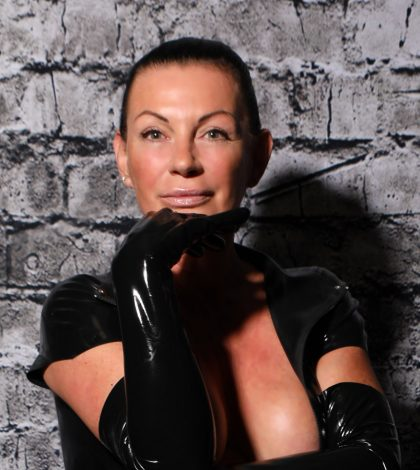 International Femdom Escort: High-class experienced BDSM femdom escort, traveling worldwide, based in Switzerland. BDSM experienced Femme