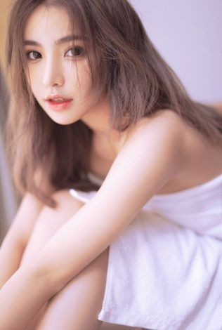 Bank London City Asian Student Escort: Are you looking for oriental escorts in London? We are one of the most reliable agencies to provide you with the best & high profile escorts.
