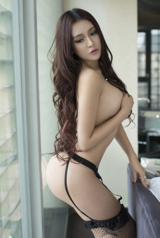 KOTOE HK ESCORT: Gorgeous young lady and it's with great pleasure that we present her profile to you. This Japanese is one of our top Hong Kong girls.