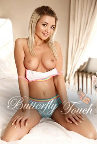 Charming blonde Nicole - Escort Ads: UK & Worldwide CremeDeLaCremme.com